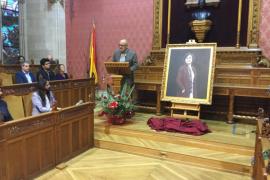Aurora Picornell protagoniza el primer retrato de una mujer en el Consell
