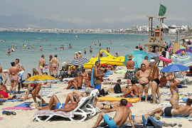 Baleares soporta una presión de 486.072 personas más al día que hace veinte años