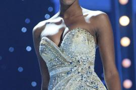 La angoleña Leila Lopes es la nueva Miss Universo