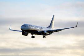 Ryanair niega las acusaciones de prácticas abusivas y asegura que los niños obtienen asientos asignados gratis