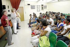 Miles de alumnos de Secundaria y Bachillerato iniciaron ayer su nuevo curso