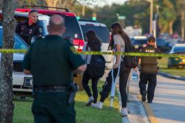 Suspendidos dos agentes SWAT que decidieron intervenir en la masacre de Florida