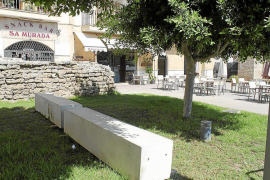 Alcúdia adoquina 10 metros de zona verde para la terraza del bar del padre de la 'tránsfuga' García