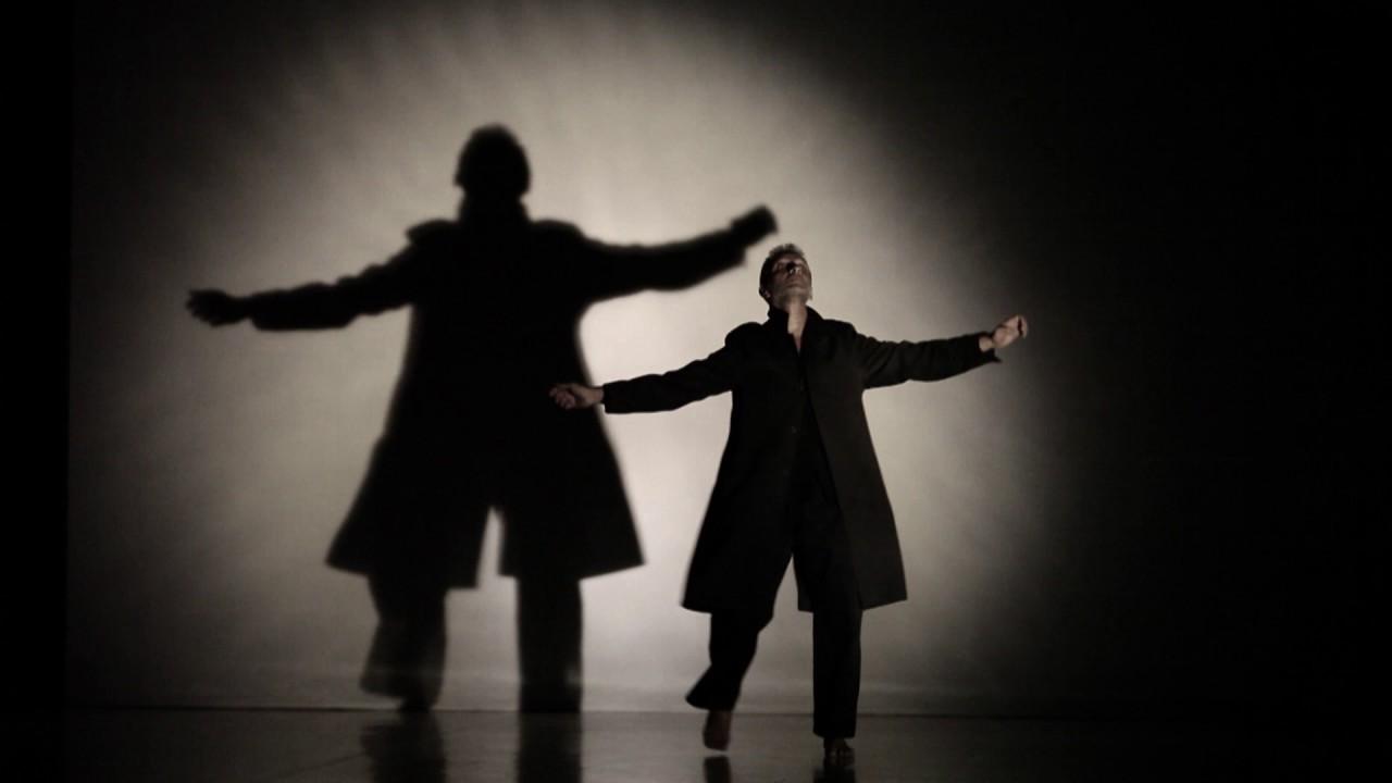 Pep Ramis baila 'The mountain, the truth & the paradise' en el Teatre Principal de Palma