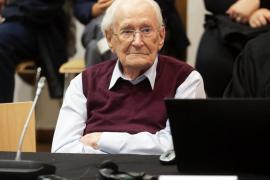Muere a los 96 años el 'contable de Auschwitz', condenado por crímenes nazis