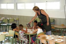 La Mesa de Padres y Madres aprueba un incremento de 500.000 euros en las ayudas de comedor para el próximo curso