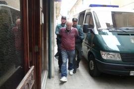 Suspenden al policía de Son Servera detenido por intentar asfixiar a su mujer