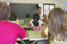Educació ya trabaja en otro decreto de mínimos que fijará la igualdad de castellano y catalán