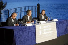 La crónica y la ficción estrenan las tertulias literarias en Formentor