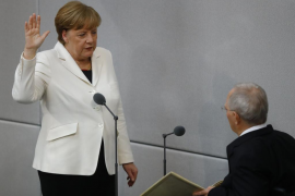 El presidente alemán nombra formalmente a Merkel canciller