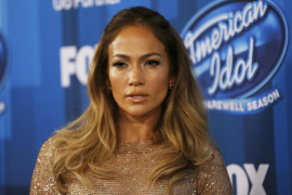 Jennifer Lopez habla sobre abusos y dice que se negó a enseñar los senos