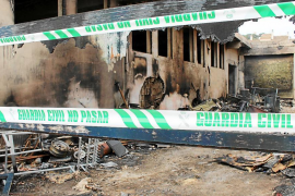 El incendio que devastó de noche una carpintería en Capdepera fue intencionado