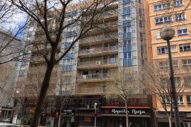 Fallece un hombre al precipitarse de un quinto piso en Palma