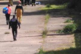 Un hombre fallece al precipitarse de un puente del Arenal