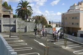 Cort inaugura el nuevo aparcamiento en superficie del Sayonara en El Terreno