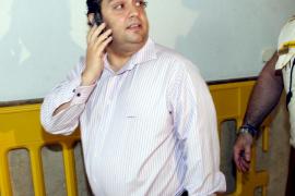 El sobrino de Ruiz-Mateos dice que firmó la compra de un hotel por orden de su tío
