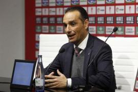 Oltra en su despedida como técnico del Granada: «Acato la decisión pero creo que no lo merezco»
