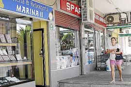 Detenidos dos delincuentes rumanos que acababan de asaltar una joyería en Bahía Azul