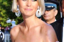 Laeticia Hallyday se convierte en la «villana» oficial de Francia