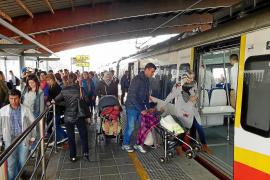 La falta de maquinistas coarta el aumento de frecuencias previsto con el tren eléctrico