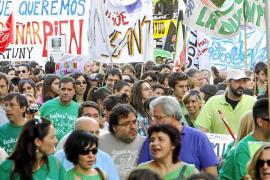 Una enorme 'marea verde' se manifiesta en Madrid en defensa de la educación pública