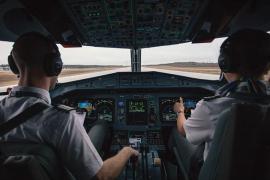 Impiden el despegue de un avión al descubrir que el copiloto estaba borracho