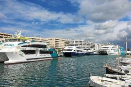 El fuerte viento de la borrasca Hugo afecta al tráfico marítimo entre Pitiusas