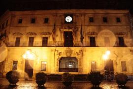 La 'Hora del Planeta' apaga las luces en Palma para concienciar sobre el cambio climático