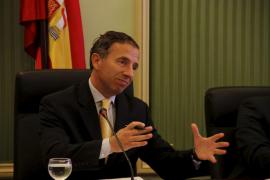 Delgado señala el cambio de uso de los hoteles como «única  posibilidad» para la reconversión