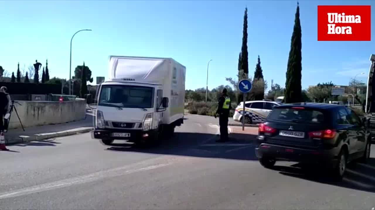 Controles de seguros y certificados de ITV a los coches de Baleares