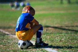 La lección de un entrenador de infantiles al público: «Si vuelven a insultar al árbitro nos vamos»