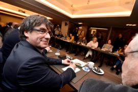 Puigdemont pide donaciones para costear la defensa y la logística del Govern «en el exilio»