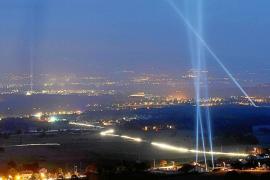 Hallan partículas más veloces que la luz, el jaque del siglo XXI a Einstein