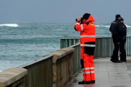 Una mujer desaparecida en Galicia y cortes en nueve carreteras por el temporal