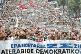 Los presos de ETA piden la «amnistía completa» pero no la disolución de la banda