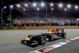 Vettel gana y se queda a un punto del título; Alonso cede el segundo puesto