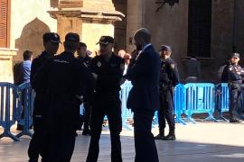 Férreo control policial en Palma ante la presencia de los Reyes en la misa de Pascua