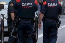 Detenido un falso policía que retuvo varios días a una joven en un hotel