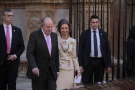 Los Reyes presiden la misa por los 25 años de la muerte de don Juan de Borbón