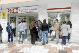 El paro baja un 9,5% en Baleares en marzo