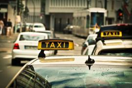Un padre encuentra a su hija desaparecida hace 24 años gracias a su taxi