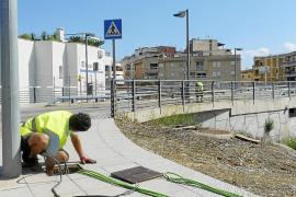 Comienza la demolición del puente del Riuet de Porto Cristo con la retirada del cableado