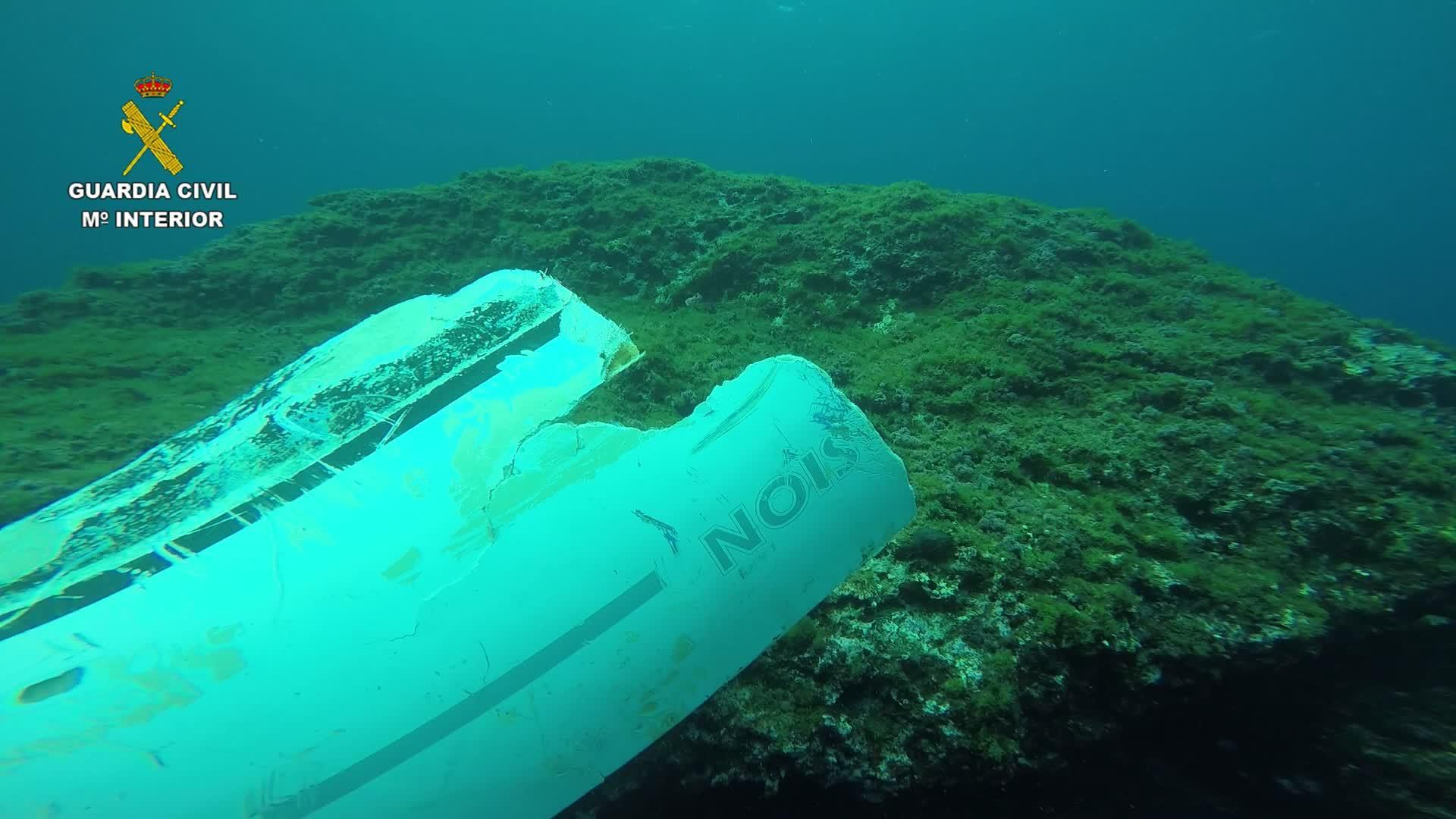 El casco hundido encontrado este martes en Cala Sant Vicenç coincide con la matrícula del velero desaparecido