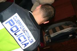 Dos detenidos por robar cobre del alumbrado público en el centro de Palma