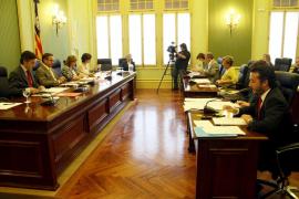 El PP pide que Manera «dé la cara» en el Parlament