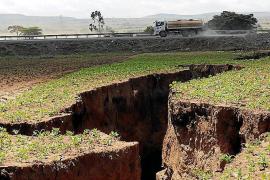 Aparece en Kenia una enorme grieta que podría dividir África en dos