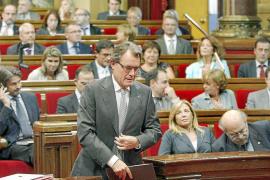 Mas propone un nuevo impuesto temporal para las grandes fortunas de Catalunya