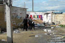Vecinos de Son Banya sospechan que les echan por interés empresarial