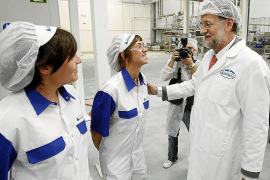 Rajoy evita precisar qué hará con las pensiones y remite al programa del PP