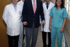 Don Juan Carlos, operado con éxito de la rodilla en una clínica madrileña